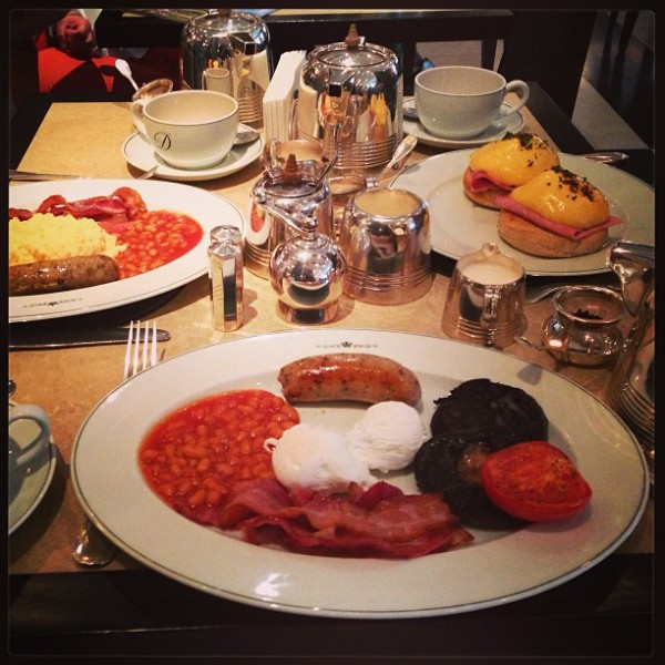 English breakfast (oh how I've missed those baked beans)